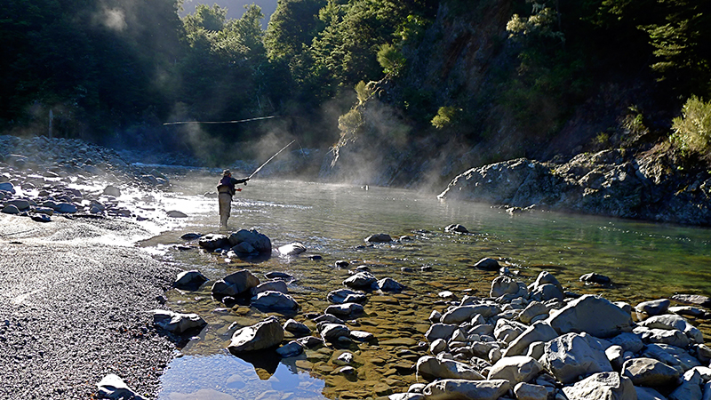 Fly fishing guide taupo new zealand pete fordham for New zealand fly fishing